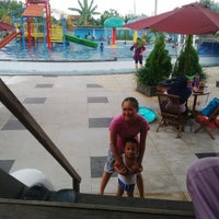 Photo taken at Kenari Waterpark Bontang by Kisekino on 6/22/2014