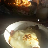 Photo taken at Balthazar Pizza Gourmet by CrisFe A. on 7/21/2013