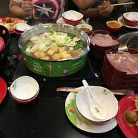 Photo taken at Hot Pot Inter Buffet by Maybaws12 on 11/10/2015