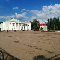 Photo taken at Площадь Ленина (ДК Кирова) by Константин А. on 6/17/2014