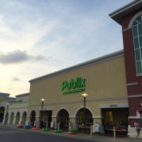 Photo taken at Publix by Rob M. on 5/27/2016