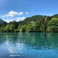 Photo taken at 四万湖 by せっとん on 5/20/2018