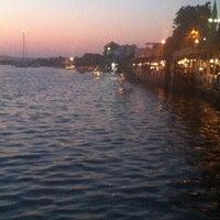 8/12/2013 tarihinde Sinemziyaretçi tarafından Leleg Restaurant'de çekilen fotoğraf