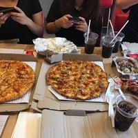 Foto scattata a Domino's Pizza da Phatsorn O. il 1/15/2017