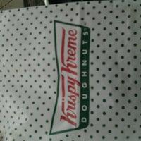 Photo taken at Krispy Kreme Doughnuts by Siti R. on 2/27/2013