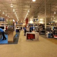 Photo taken at Best Buy by Brys H. on 8/30/2013