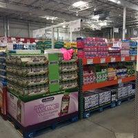 Photo taken at Costco Wholesale by Marinho on 7/12/2014