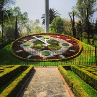 Photo taken at Parque Luis G. Urbina (Parque Hundido) by Ando on 3/6/2013