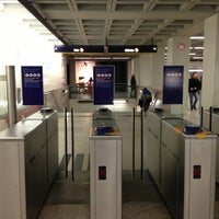 Photo taken at Metro Marquês de Pombal [AM,AZ] by Eddie Pipocas on 1/4/2013