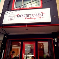 Photo taken at Healthy Beans by naremle on 10/19/2014
