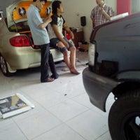 Photo taken at Zeus Car Audio & Accesories, Semarang by Lukman H. on 9/3/2013