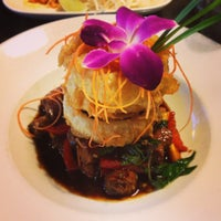 Photo taken at Osha Thai Noodle Cafe by Stefano C. on 4/2/2013