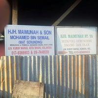 Photo taken at Hjh. Maimunah Serunding by Jeffri Ibrahim on 3/25/2013