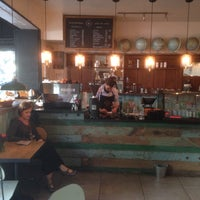 Foto tomada en Cardinal. Casa de Café. por Renee E. el 4/30/2015