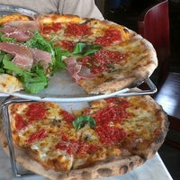Photo taken at Carluccio's Coal Fired Pizza by Tamar on 10/7/2012