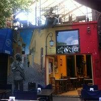 Foto tomada en Utopía Bar por Vinicius Y. el 11/6/2012