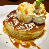 Photo taken at Denny's by 秀吉 on 4/27/2017