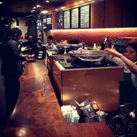 1/23/2013にMayumi I.がStarbucks Coffee 御堂筋本町東芝ビル店で撮った写真