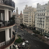 รูปภาพถ่ายที่ Casual Valencia Vintage โดย Daryna เมื่อ 8/1/2017