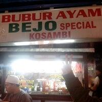 Photo taken at Bubur Ayam Special BEJO by Gilang P. on 1/24/2014