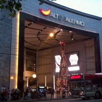 Foto tomada en Alto Palermo Shopping por Fabi A. el 12/5/2012