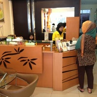 Photo taken at TAKAdeli Cake Boutique by Xamurai on 10/7/2012