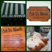 Photo taken at Café du Monde by Jacquelyn on 3/23/2013