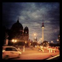 9/18/2012 tarihinde Henrikziyaretçi tarafından Lustgarten'de çekilen fotoğraf