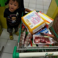 Photo taken at Giant Hypermarket by The guh t. on 4/26/2014