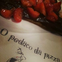 Photo taken at O Pedaço da Pizza by Mariana F. on 5/10/2013