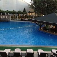 Foto tirada no(a) Manila Hotel por Krish em 1/19/2013