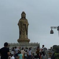 Photo taken at 南海观音 Nanhai Avalokitesvara Bodhisattva by Dietmar on 7/16/2016