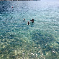 Photo taken at Plaža hotela Velinac by Laura G. on 7/22/2015