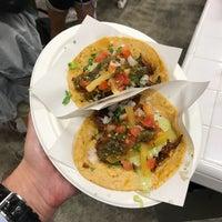 Das Foto wurde bei Los Tacos No. 1 von Prins P. am 9/3/2018 aufgenommen