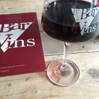Photo prise au Le Bar à Vins par Sol S. le4/23/2015