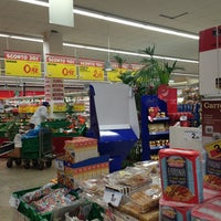 Photo taken at Carrefour Market by Maxio75 on 2/6/2013
