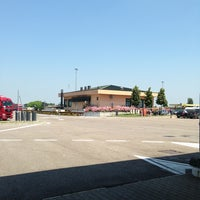 Photo taken at Autogrill Campogalliano Ovest by Maxio75 on 6/16/2013