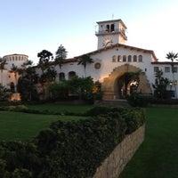 Foto tomada en Santa Barbara Courthouse por Roza el 3/22/2013