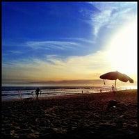 Foto tirada no(a) Praia do Pepê por Bruno B. em 3/7/2013