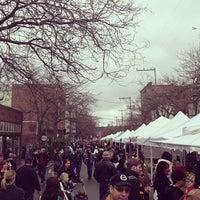 Photo prise au Ballard Farmer's Market par Joe S. le4/21/2013