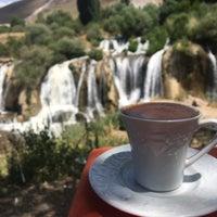 Photo taken at Muradiye Şelalesi Restaurant by 😎Bayram on 7/18/2017
