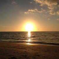 Foto tomada en Seagate Beach por Lori el 1/14/2013