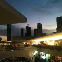 Foto tomada en Centro Comercial Andares por Edgar C. el 11/19/2012