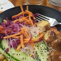 Das Foto wurde bei Deli Café Maya von Mona B. am 10/11/2017 aufgenommen