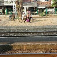 Photo taken at Stasiun Kemayoran by Ikka on 5/29/2015