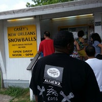 Foto tirada no(a) Casey's New Orleans Snowballs por James S. em 5/19/2013