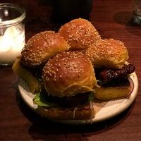 3/3/2018 tarihinde Emily W.ziyaretçi tarafından Chefs Club by Food & Wine NY'de çekilen fotoğraf