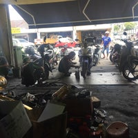 Photo taken at Kedai Motosikal Hweng Ho Motor by Amirull S. on 5/19/2016