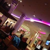 Foto scattata a Renaissance Moscow Monarch Centre Hotel da Эдгар Д. il 3/14/2013