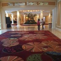 Foto scattata a The Mirage Convention Center da Lorenzo C. il 7/23/2013